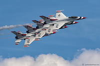 Thunderbirds-formation-Crop 78A1142